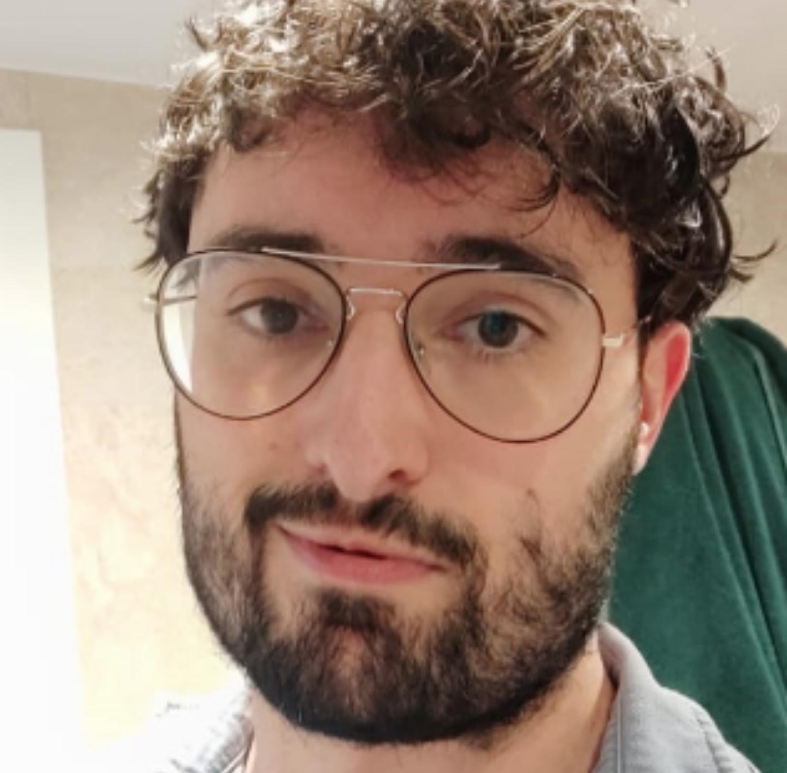 HÉCTOR PUENTE / Profesor de creación y narración de videojuegos en UFV y de animaciones 3D, juegos y entornos interactivos en IED MADRID